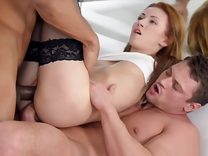Two horny dudes enjoys fucking a babe with DP