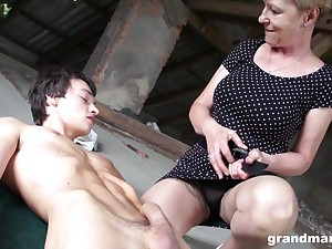 Progenitrix with high sexual relations drive Marta fucks one young man in public