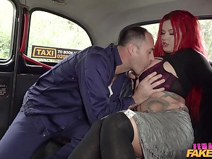 Tattooed sinner Sabien DeMonia gets fucked amenable wits their way cabbie
