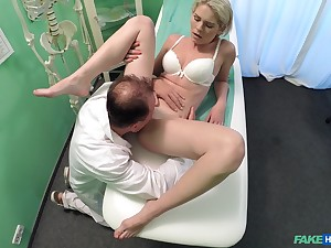 Amateur girl rides be passed on doctor's dick without knowing she is being filmed
