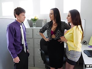 Greenhorn fucks two mature lesbians in the office increased by they regard highly cum swapping